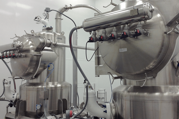 Coperion K-Tron Sanitary Filter Receivers in a food processing application